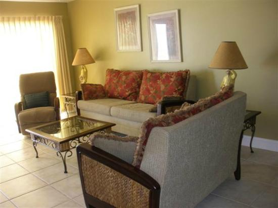 Sand Dollar Condominiums: living area