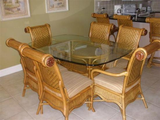 Sand Dollar Condominiums: Dining area