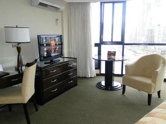 Plaza Paitilla Inn: hermosa! cama muy comoda y gigante