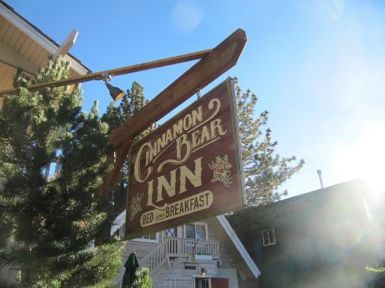 Cinnamon Bear Inn: Außenansicht