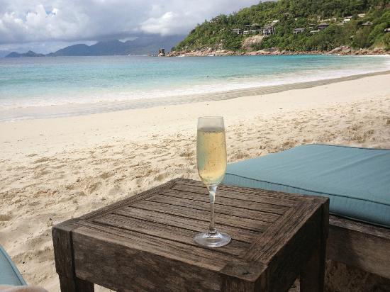 Four Seasons Resort Seychelles: Beach