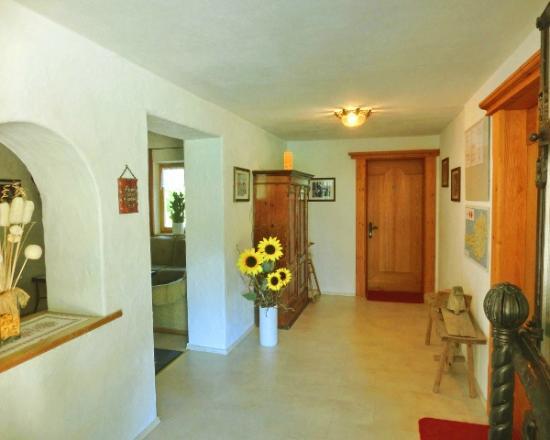 Ferienwohnungen Buchauer : Eingangsbereich - Apartment Georg