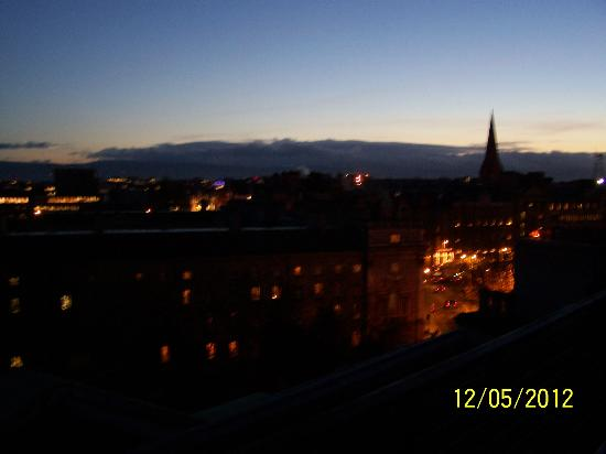 Westin Dublin: Nighttime from my balcony