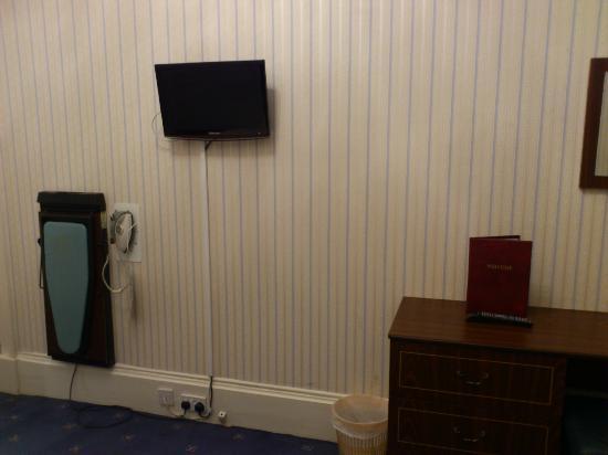 The Ballantrae Hotel: TV