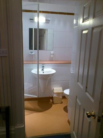 The Ballantrae Hotel: Bathroom