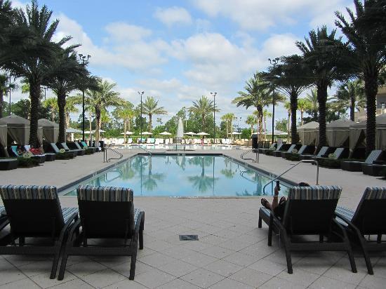 Waldorf Astoria Orlando: The pool.