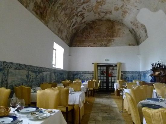Hotel Convento de Sao Paulo: magnifique salle de restaurant