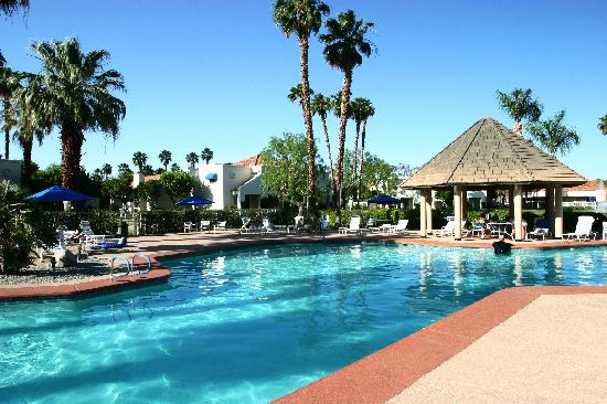 Desert Breezes Resort: Pool