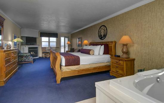 Cherry Tree Inn & Suites: The Good Harbor Bay Studio