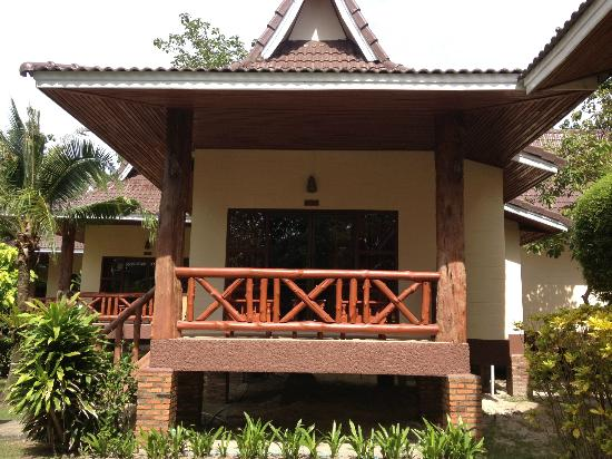 Phi Phi Villa Resort: Villa front