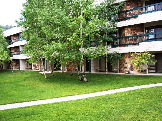 Park Regency Hotel: Exterior