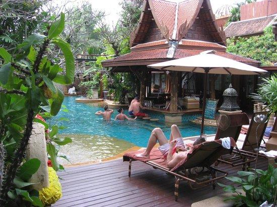 سوسدي فيليدج: pool 