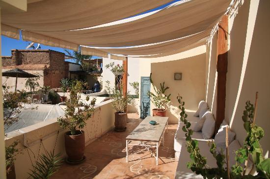 Riad Le Coq Fou: il terrazzo dove si fa colazione 