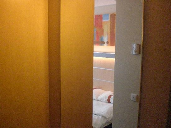 Holiday Inn Express Muenchen Messe: dal bagno