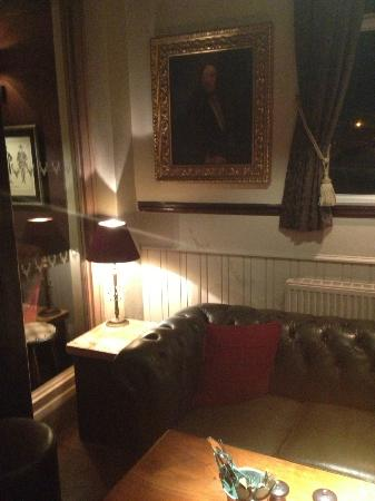The Devonshire Arms: A sofa in which to relax