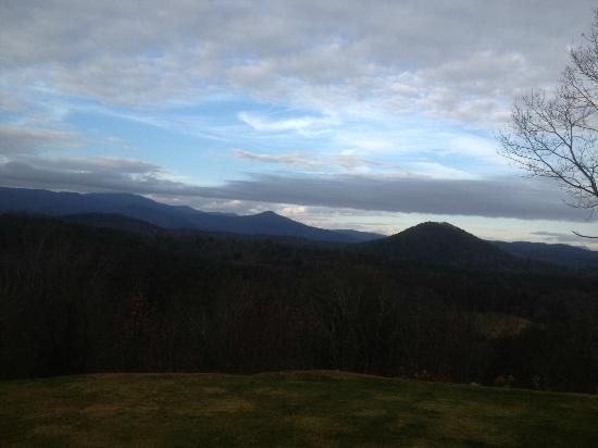 Lucille's Mountain Top Inn & Spa: Room View