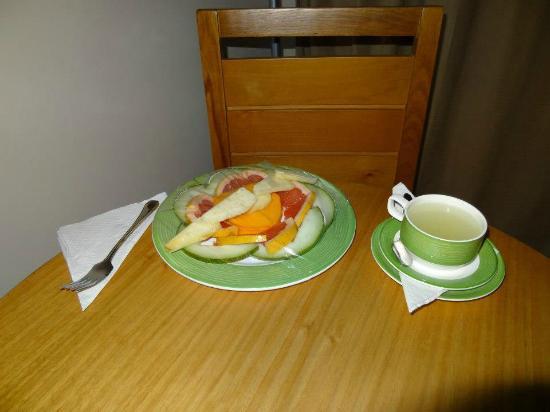 Royalton Cayo Santa Maria: Room Service Fruit Plate