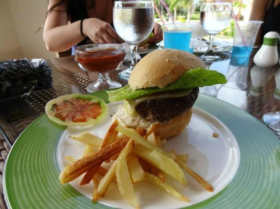 Royalton Cayo Santa Maria: Snack Bar