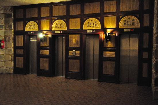 ‪أثوس بالاس: Elevators, Athos Palace, Sept 2012
