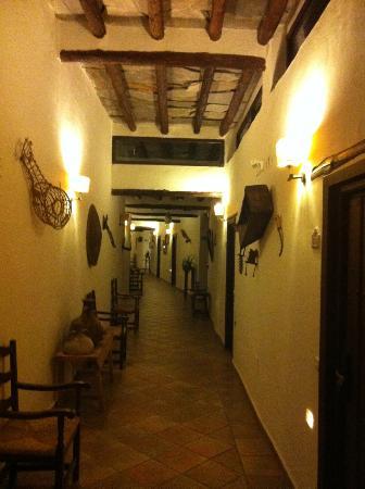 Alcazaba de Busquistar: pasillo