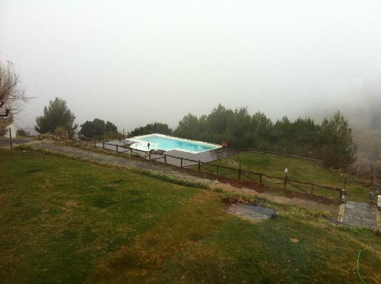Alcazaba de Busquistar: piscina