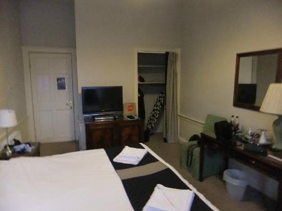 53 Frederick Street: Room