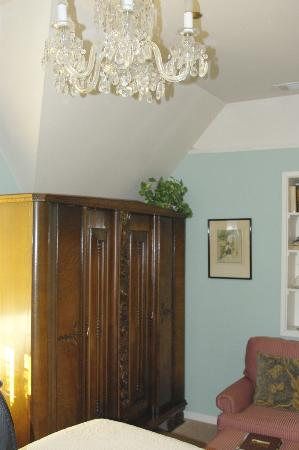 Cedar Gables Inn: Miss Dorothy Room