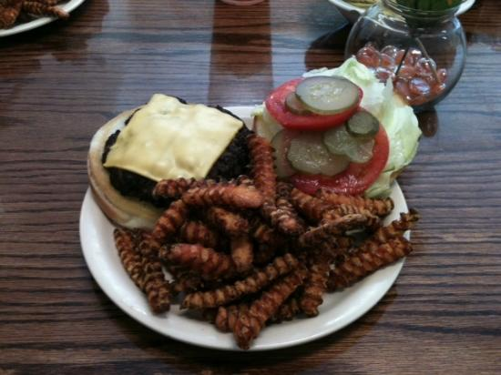 Royal Cafe of Quitman: Cheeseburger all the way with extra brown sweet potato fries!