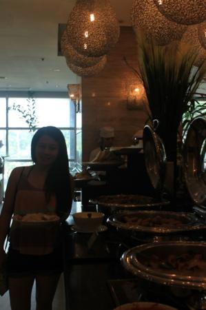 GLO Cafe & Restaurant: 12/08/12: Glo Café @ Crown Regency Tower 1