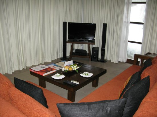 Kanda Residences: Вила на 2 семьи. Общаяя гостинная-кухня.