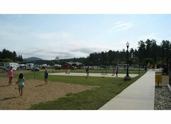 Lodge at Palmer Gulch: volleyball, basketball, off to the pool