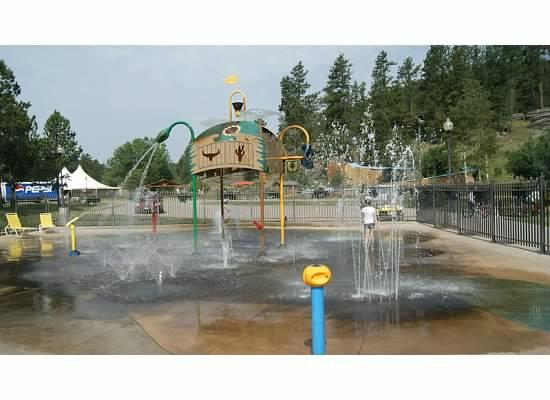 Lodge at Palmer Gulch : waterplay