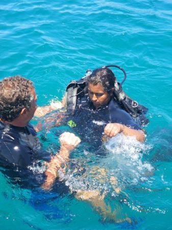 Montezuma Crew: My dive buddy and Michele
