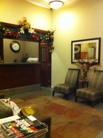 Americana Inn: the reception area