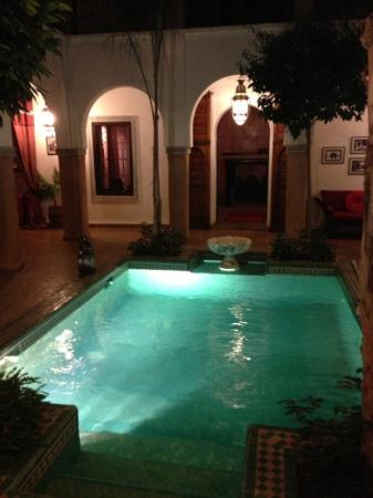 Riad el Noujoum: pool area