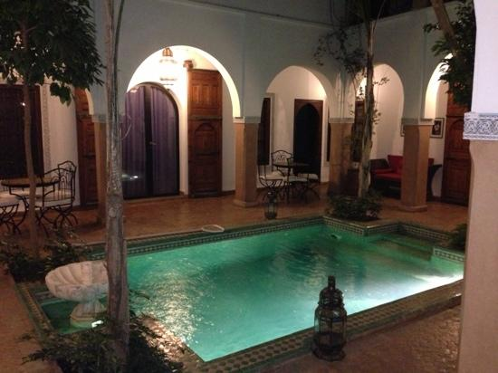 Riad el Noujoum: pool area 2
