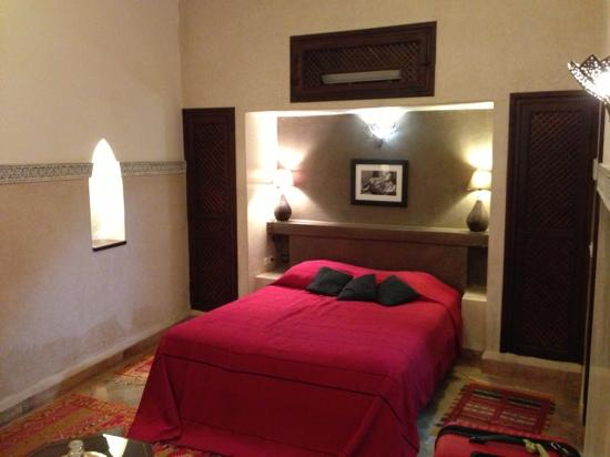 Riad el Noujoum: bedroom
