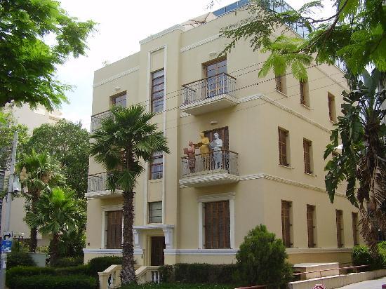 The Rothschild Hotel - Tel Aviv's Finest: The Building