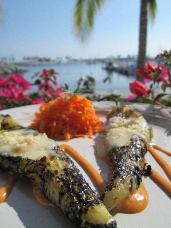 Restaurante del mercado del mar.: GRILLED SEA FOOD YELLOW PEPPERS