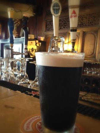 Mad Dogs & Englishmen: Guinness the afternoon. delicious!