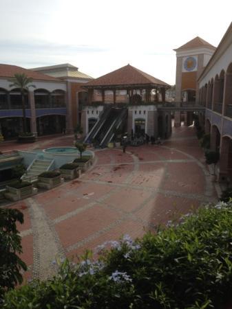 Real Marina Hotel & Spa: faro shopping