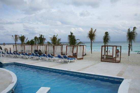 Krystal Cancun: Saliendo a la playa