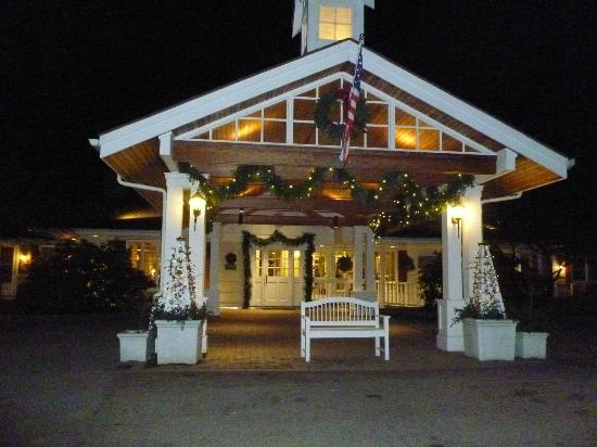 Golden Eagle Resort entrance