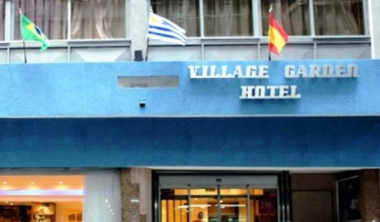 Hotel Village Garden: Vista del Frente