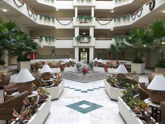 Paradise Village Beach Resort & Spa: One of the lobbies