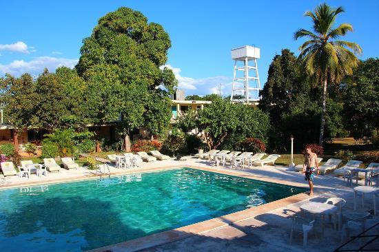 Piramide Inn : piscina