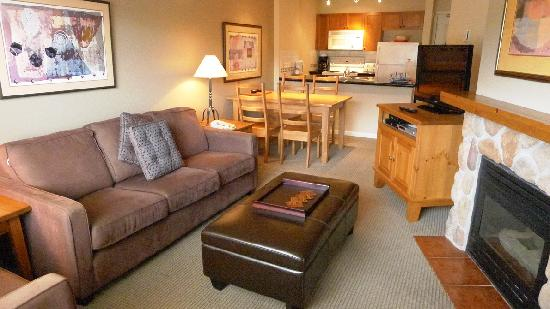 Whistler Town Plaza Suites: Interior