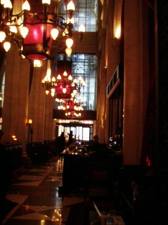 Le Parker Meridien New York: Lobby Bar and exit to 57th Street