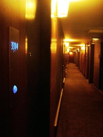 Le Parker Meridien New York: Le Parker Meridien hallway ambience