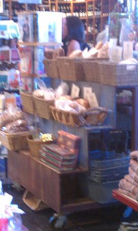 La Grande Orange Grocery: Fresh Breads